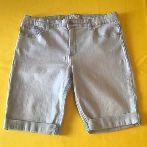 👧 GAP PLUS Sized Denim Bermuda Shorts